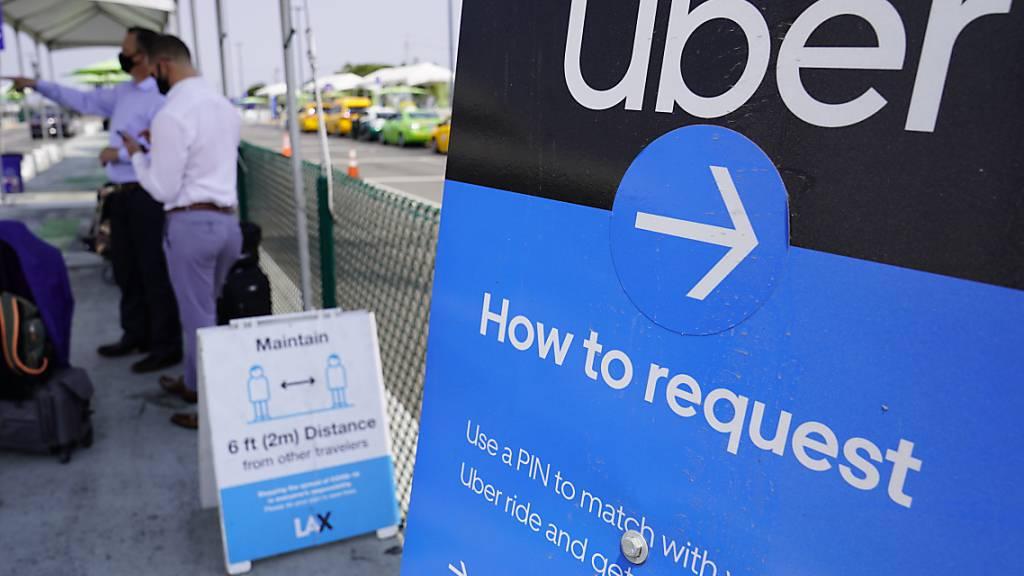 Die Coronavirus-Pandemie setzt dem Fahrdienstleister Uber weiterhin stark zu. (Archivbild)