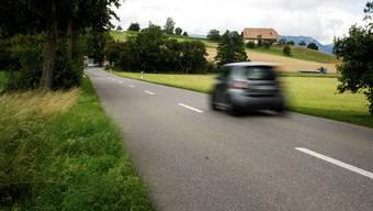 An der Strasse von der Siedlung Stöckeren zum Restaurant Bismarck ist ein Fussweg geplant.