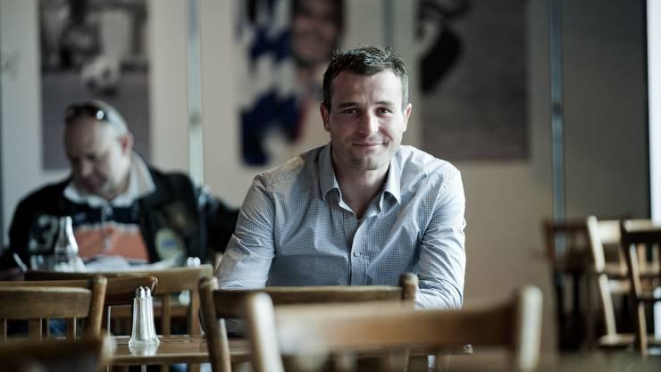 Alex Frei in der Hattrick-Bar beim Joggeli in Basel