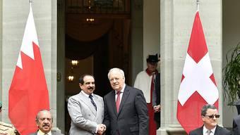 Der König von Bahrain wurde von Bundespräsident Schneider-Amman auf dem Landgut Lohn begrüsst
