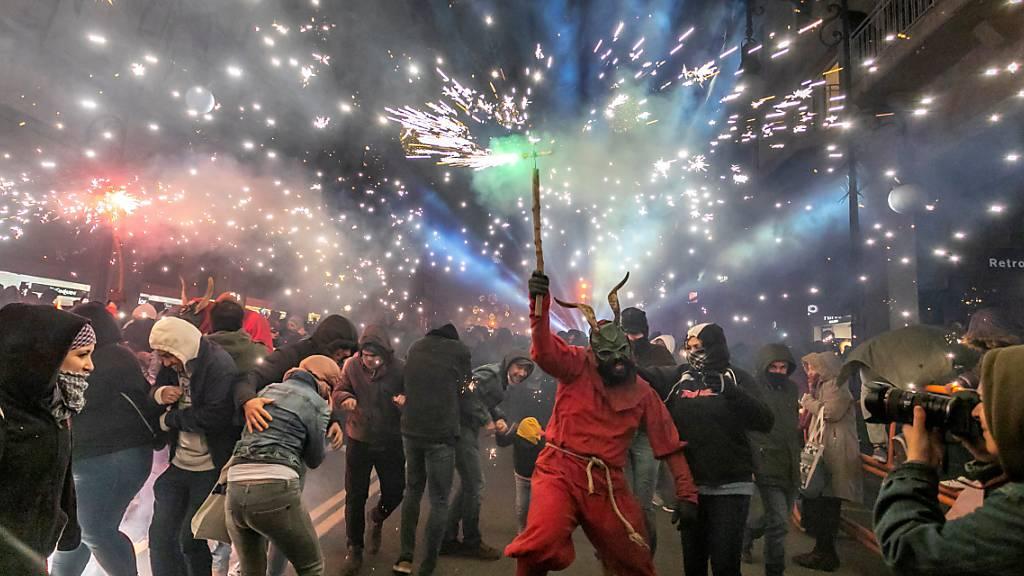 Der Tanz der Feuerteufel: Auf Mallorca sprühen die Funken