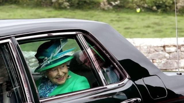 Die Queen verlässt Irland nach vier Tagen Besuch