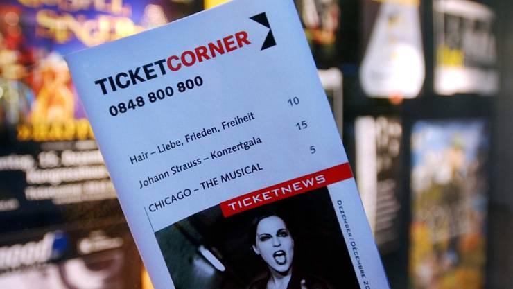 Die Wettbewerbskommission prüft die geplante Fusion von Ticketcorner und Starticket eingehend. (Archiv)