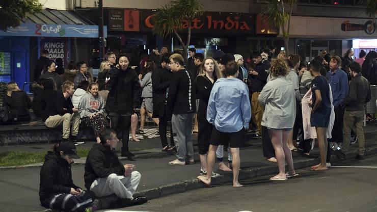 Evakuierte Menschen in Wellington nach dem Erdbeben.