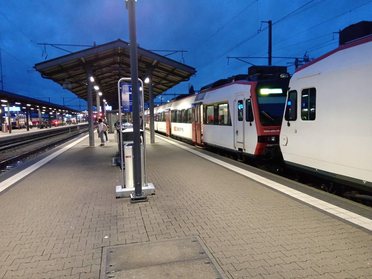 In Rapperswil müssen die Raucher unter freiem Himmel rauchen. (© FM1Today)