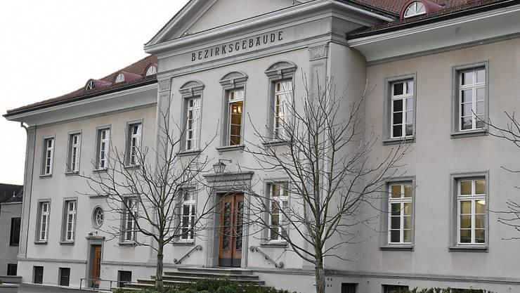 Am Freitag, 21. August 2020, muss sich eine 30-jährige Frau vor dem Bezirksgericht Bülach verantworten. Ihr wird vorgeworfen, ihren vierjährigen Sohn getötet zu haben. (Symbolbild)