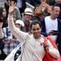 Roger Federer übersteht die Startrunde in Roland Garros problemlos.