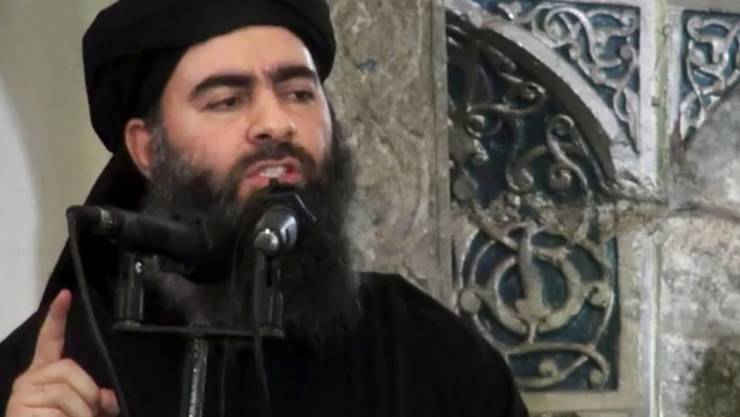 Ein Bild vom Auftritt Al-Bagdadis in Mossul 2014. Das russische Verteidigungsministerium prüft nach eigenen Angaben Berichte, wonach der Anführer der IS-Terrormiliz bei einem Luftangriff getötet worden sein soll. (Archiv)
