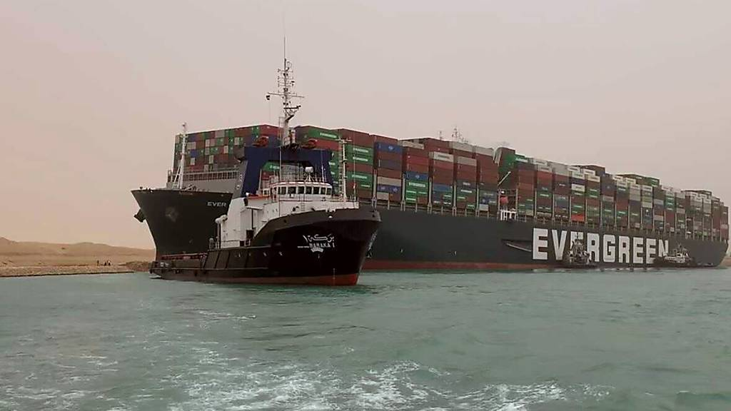 Blockade des Suez-Kanals dauert höchstens noch drei Tage