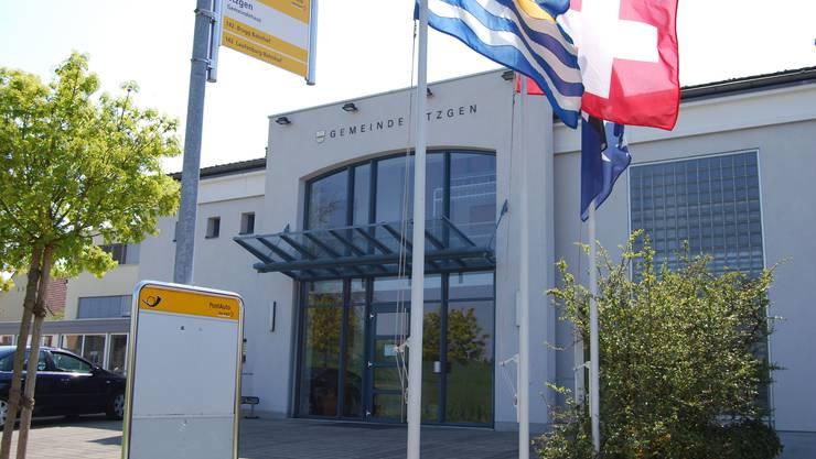Die Gemeindekanzlei Etzgen wird teilweise umgebaut. Später sollen die Räume auch von der Schule genutzt werden. (bild: sh)