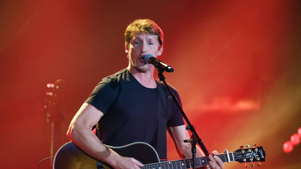 James Blunt kommt ans Blue Balls