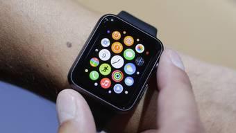 Für die Bedienung der Apple Watch braucht man durchaus Fingerspitzengefühl.