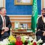 US-Aussenminister Mike Pompeo bei Kronprinz Mohammed bin Salman am Dienstag in Riad.