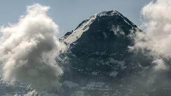 In der Eigernordwand ist am Sonntag ein 28-jähriger Alpinist tödlich verunglückt.