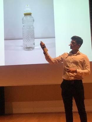 Janic Moser präsentiert stolz den H2Orbit Drink