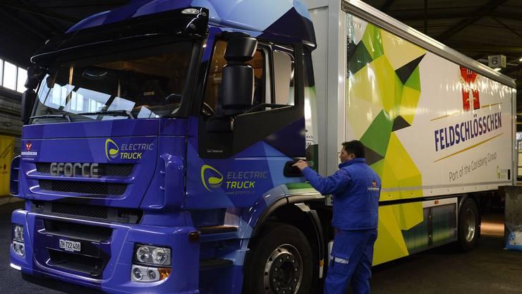 Er fährt mit Strom: Lastwagen von Feldschlösschen. zvg