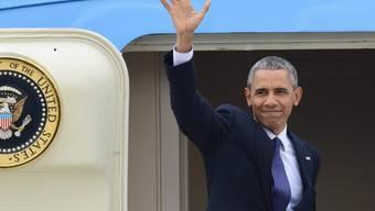Barack Obama winkt zum Abschied: Der US-Präsident beendete seinen Deutschland-Besuch und flog nach Washington zurück.