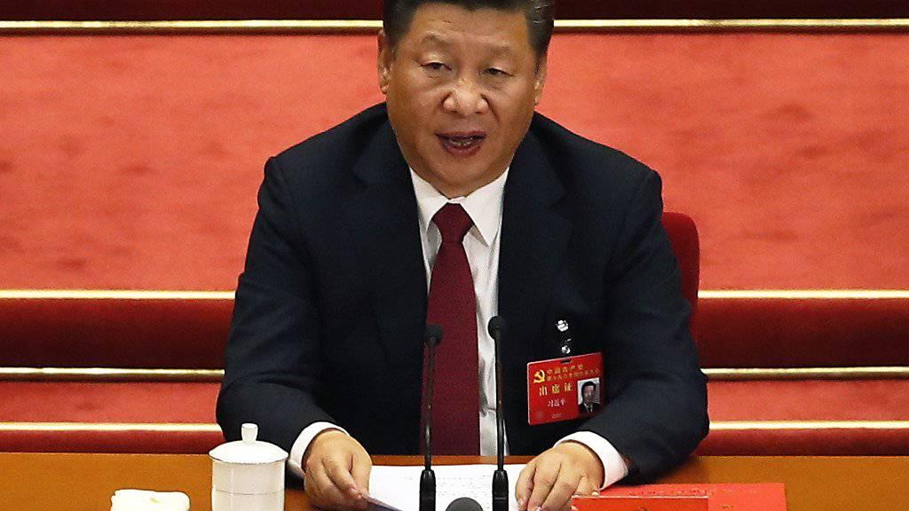 Der Präsident Chinas Xi Jinping hat sich eine zweite Amtszeit gesichert.