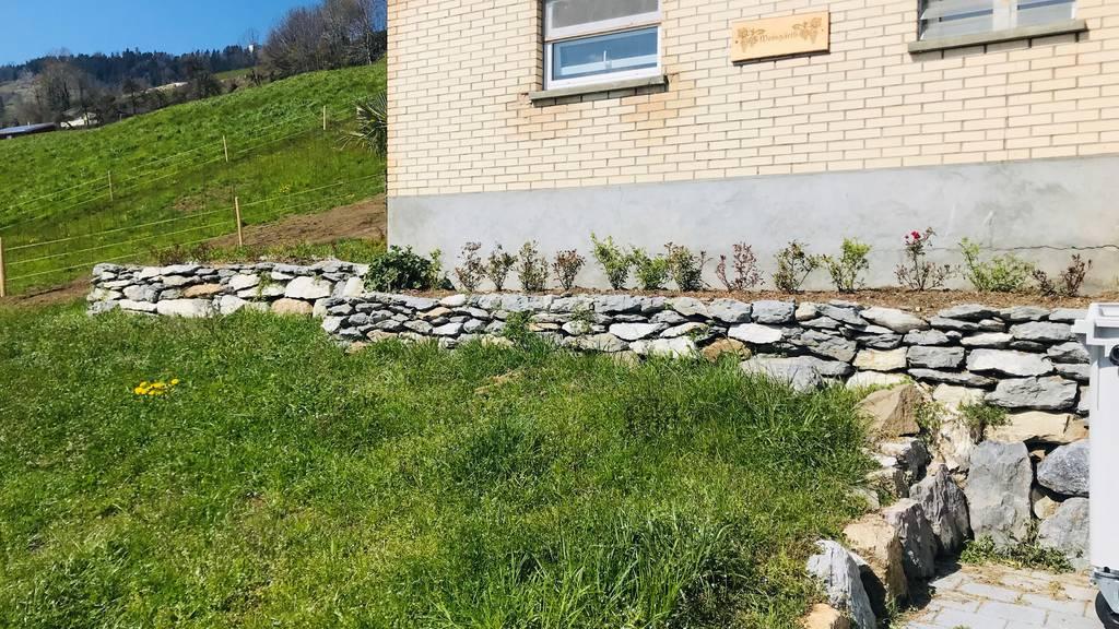 Ennetbürger Natursteinmauer erhitzt Gemüter