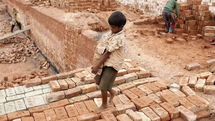 Kinderarbeit in Bangladesch. Die Konzernverantwortungsinitiative, mit der sich der Ständerat heute befasst, will Unternehmen zur Verantwortung ziehen.