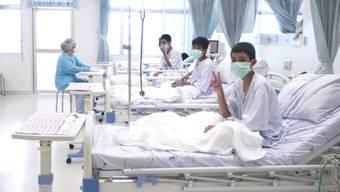 Thailand: Erste Bilder der jungen Fussballer aus dem Spital.