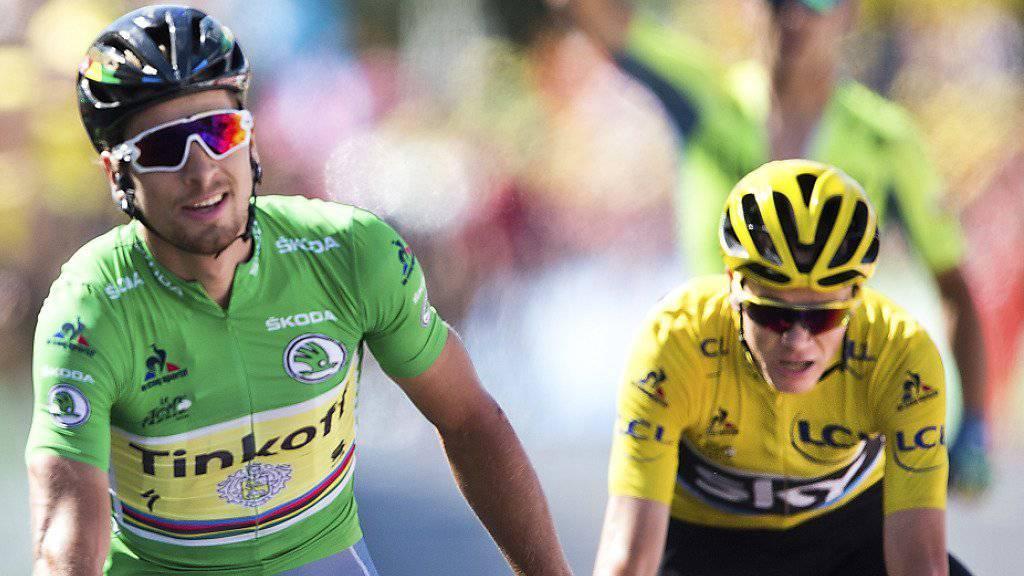 Peter Sagan, im grünen Trikot des Punktbesten, gewinnt vor Gesamt-Leader Chris Froome.