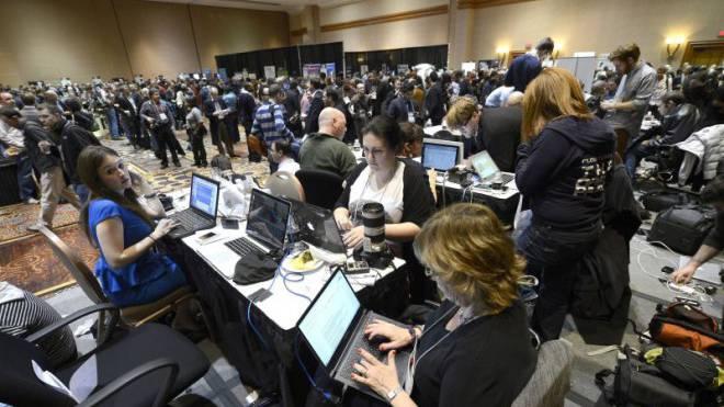 Sind nun selbst als Mitarbeiter bei sozialen Netzwerken gefragt: Journalisten an der International Consumer Electronics Show in Las Vegas. Foto: Keystone