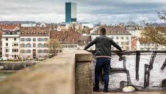 Der Polizeiassistent Y.M. wurde verdächtigt, ein Spion zu sein. Ein anonymes Portrait, aufgenommen am 13. April 2018 auf der Pfalz in Basel. (13.04.2018)