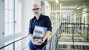Peter Schulthess veröffentlicht zwei Bildbände mit Fotografien aus Schweizer Gefängnissen.