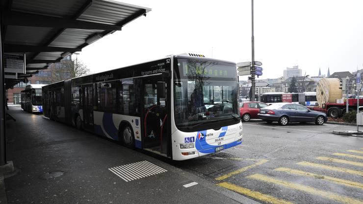 Die Busse des Betriebs Olten-Gösgen-Gäu werden in der Nacht in einer Halle in Wangen bei Olten eingestellt. Tagsüber soll dort die MFK Fahrzeuge prüfen können.