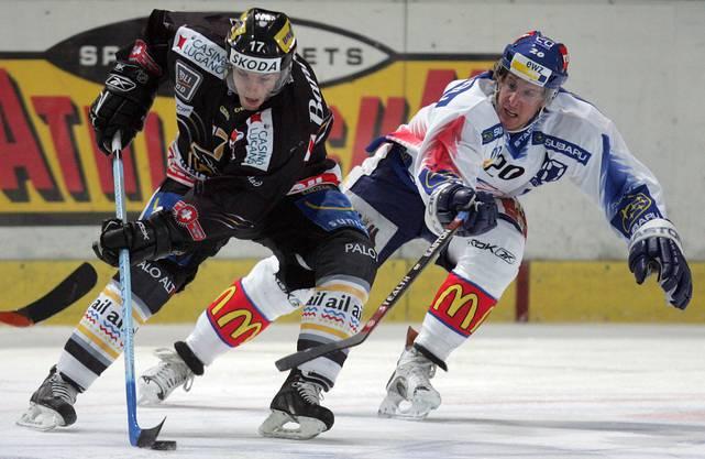 Michel Zeiter (rechts) erlangte bei den ZSC Lions Kultstatus – wegen seinen weissen Schlittschuhen nannten ihn die Anhänger «Susi».
