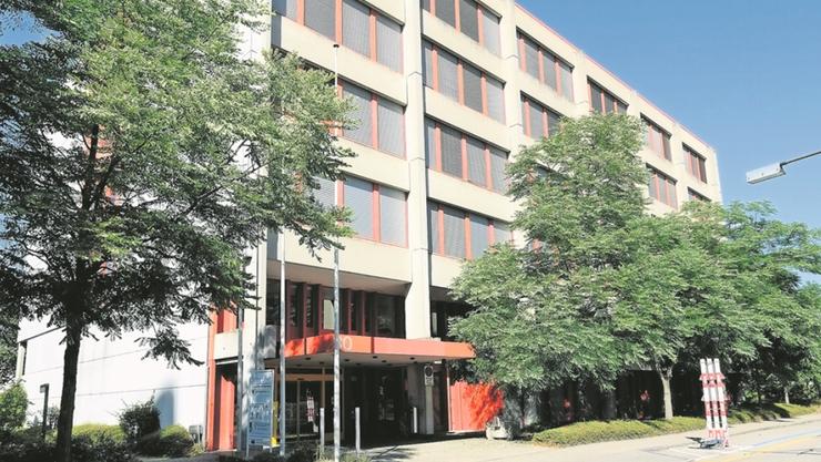 Ein Zentrum für die vielen Brückenangebote: Gemäss Rektor Rolf Schweizer würde sich seine KVBL in Muttenz gut eignen.