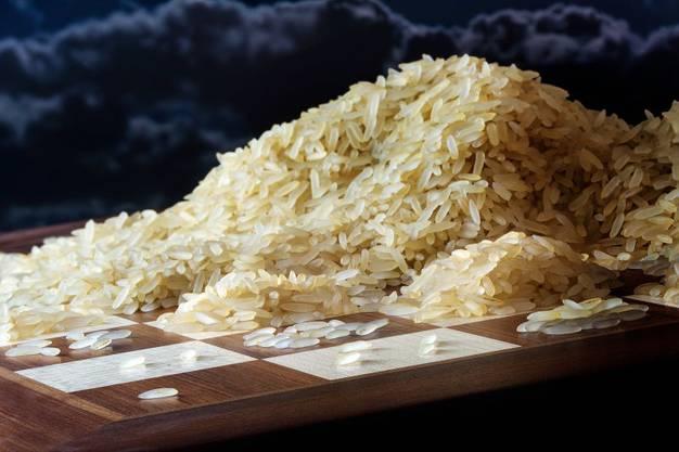 Der Erfinder des Schachbretts forderte eine Belohnung in Reiskörnern, die alles andere als bescheiden war.