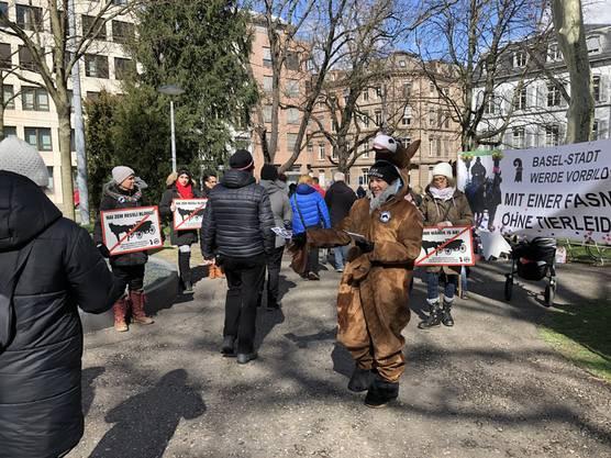 Am Mittwoch demonstrierten Tierschützer im De-Wette-Park.