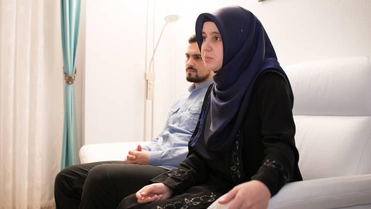 «Es sind nicht die Probleme, die unser Leben als Muslime prägen», sagt Fevzi Yükseldi, der mit seiner Frau Sümeyye in Dietikon nach den Regeln des Islams lebt.