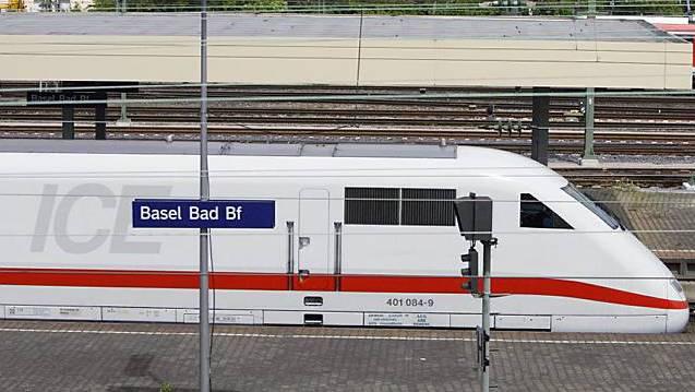 Die ICE der Deutschen Bahn sind oft unpünktlich - dafür aber kundenfreundlicher. (Archiv)
