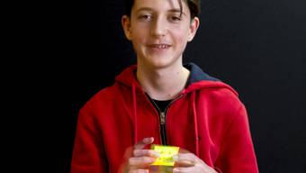 Zu schnell für die Kamera: Mike Ditton hat den klassischen 3×3×3-Zauberwürfel schon Tausende Male gelöst.
