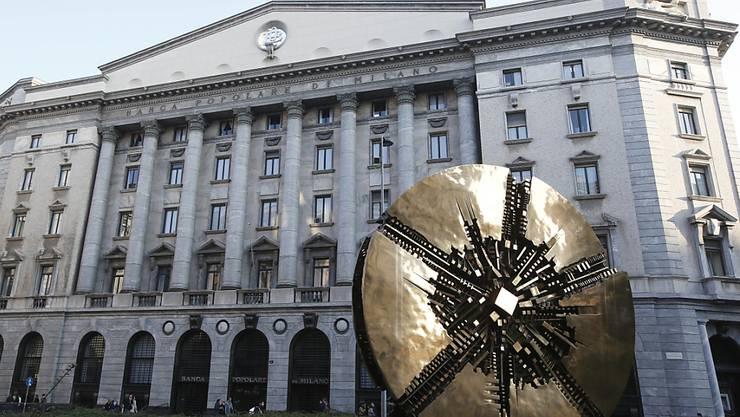 Ein Gebäude der Banca Poplare di Milano in Mailand: Das Finanzinstitut will sich mit der Banco Poplare zur drittgrössten Bank Italiens zusammenschliessen. (Archivbild)