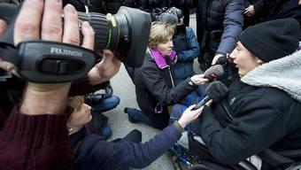 Luca gibt im Januar 2012 an einer Medienkonferenz eine Stellungnahme ab. (Archivbild)