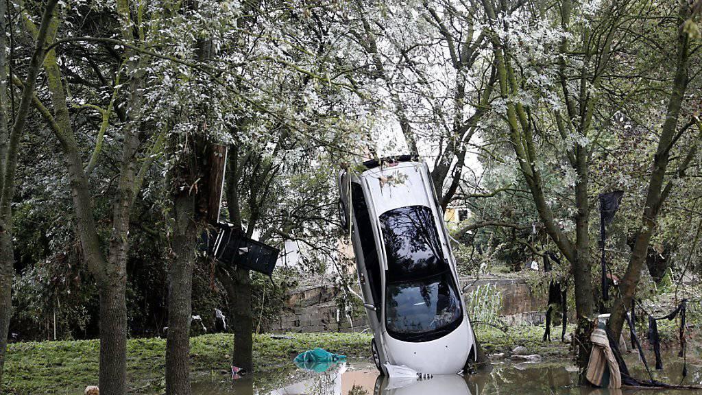 Hochwasser in Frankreich: Menschen sterben beim Versuch, ihre Autos in Sicherheit zu bringen (Archivbild).