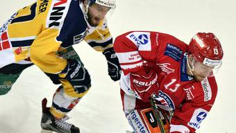 Die Rapperswil-Jona Lakers - hier Steve Mason - enteilen der Konkurrenz in der Swiss League