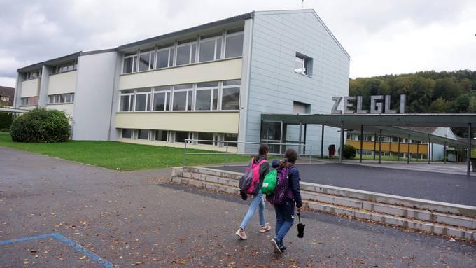 Im Oberstufenzentrum Zelgli sind die 7. bis 9. Klassen der Sekundarstufen B und E beheimatet.