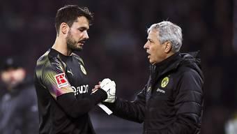 Roman Bürki (l.) und Lucien Favre treffen in der Bundesliga auf Borussia Mönchengladbach.
