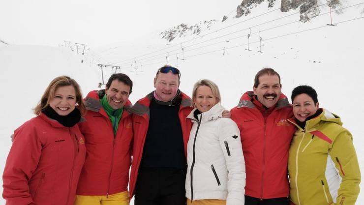 Die schnellsten Parlamentarier auf Skiern: Christa Markwalder, Matthias Jauslin, Jürg Stahl, Andrea Gmür, Duri Campell und Daniela Schneeberger (v.l.).