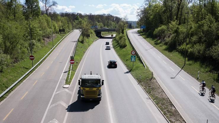 Mit dem Rheintunnel soll der Autobahnzubringer zum Hafen vierspurig werden. Damit würden die Ausfahrten von und nach Birsfelden verschwinden.