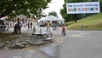 Beim Brötliexamen in Habsburg sind Spiele, Festbeiz und Theater angesagt. SAF