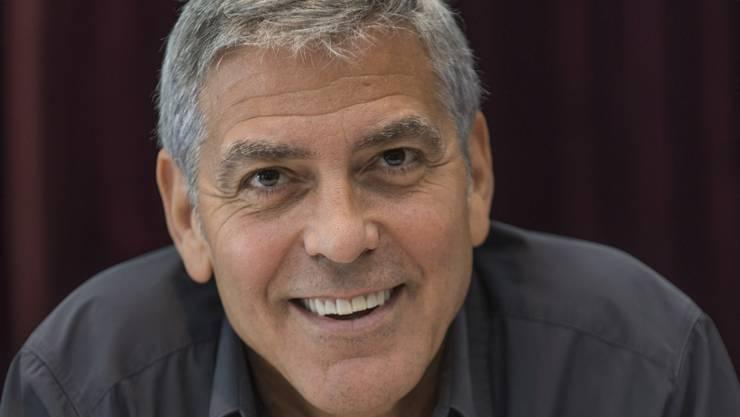 Der frischgebackene Vater George Clooney sagt: «Wenn ich heute in Hotels herumsitze und Interviews gebe, denke ich jedoch: ‹Wie gern wäre ich jetzt zu Hause.›»