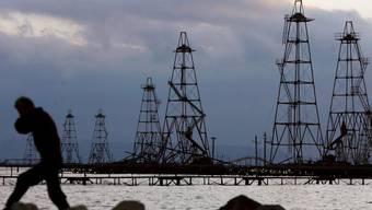 Ölfördereinrichtungen im Kaspischen Meer. (Archiv)