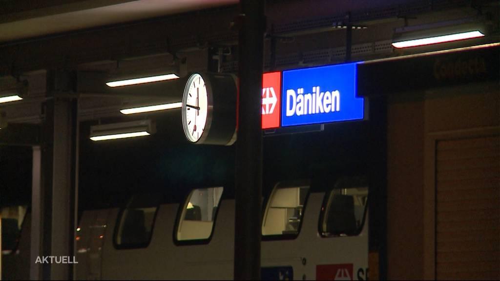 Bombendrohung: Die Polizei evakuiert in Däniken 200 Personen aus einem Zug