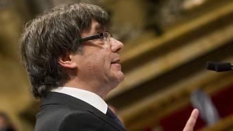 Der katalanische Regierungschef Puigdemont bei seiner Rede vor dem Parlament in Barcelona.